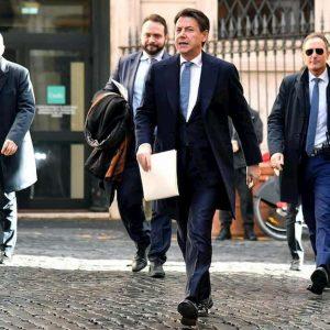 """Conte riesuma la """"verifica"""": a gennaio i conti con Renzi e Di Maio"""