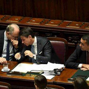 Tasse, in italia leviamo quelle che abbiamo messo, così...Vignetta realtà