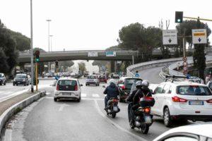 Pedoni a Roma, oggi ne moriranno altri due. Pietro, Camilla e Gaia: l'appuntamento con la morte in strada