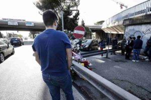 Corso Francia, il giochino del semaforo rosso all'incrocio in cui sono morte Gaia e Camilla: correre tra le auto che sfrecciano