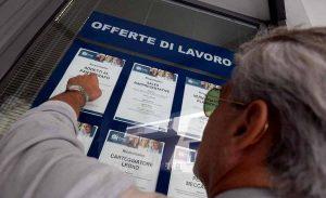 Roma: 1.086.000 persone lavorano, 1.179.000 non lavorano. Ma come fa?