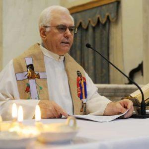 Don Paolo Farinella, il prete che a Genova chiude la chiesa di San Torpete a Natale