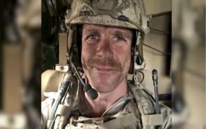 """Eddie Gallagher, il Navy Seal graziato da Trump. I commilitoni:""""Psicopatico che sparava sui civili"""""""
