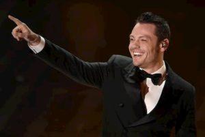 Sanremo 2020, Tiziano Ferro tutte le sere all'Ariston: l'annuncio di Amadeus