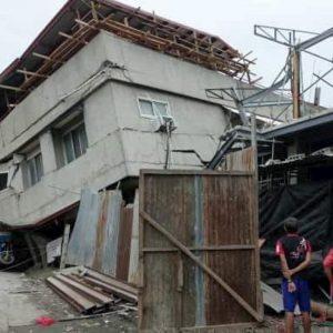 Terremoto nelle Filippine: scossa di magnitudo 6.8 a Davao del Sur. Crollato un palazzo, almeno 4 morti VIDEO