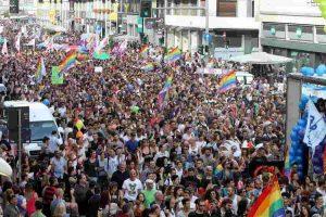Gay Pride Milano 2020: la maggioranza di centrodestra nega il Pirellone illuminato