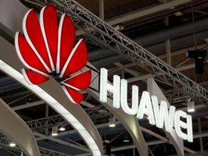 """Huawei, vendite in crescita del 18% nonostante tensioni Usa. Xu: """"Ma priorità è sopravvivere"""""""