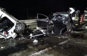 Camionista soccorre un uomo dopo incidente stradale, poi involontariamente lo investe