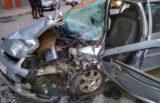 Bari, schianto frontale all'alba: 4 feriti. Alla guida un 17enne senza patente 02