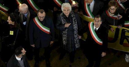 Milano, 600 sindaci in marcia per Liliana Segre