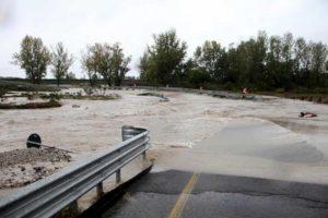 Maltempo Friuli, con l'auto in una strada vietata: muore travolto dalla corrente