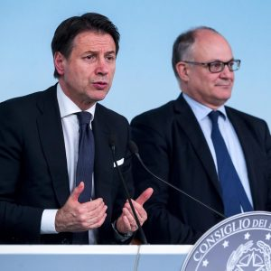 Manovra, intesa nel governo. Conte: plastic tax e sugar tax rinviate