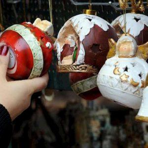 Roma, chiude il mercatino di Natale a Piazza Navona: sequestri per rischi sicurezza