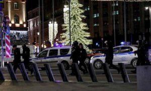 Mosca, spari alla sede dei servizi segreti: 3 morti, anche il killer. E' terrorismo VIDEO