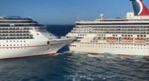 Messico, due navi da crociera si scontrano in porto: sei passeggeri feriti VIDEO