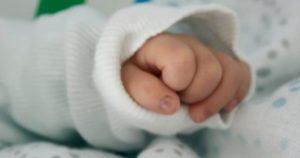 """Padova, neonato scosso in culla. I medici pronti a staccare la spina: """"Non c'è più attività cerebrale"""""""