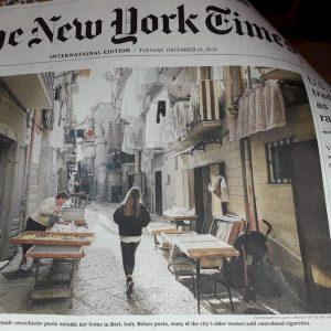 """Bari vecchia, la """"guerra delle orecchiette"""" in prima pagina sul New York Times"""