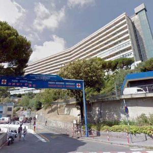 Genova, scopre che la madre è morta e si uccide in ospedale