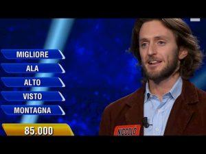 """Niccolò Pagani, il prof de L'Eredità che non perdeva mai, in piazza con le """"sardine"""