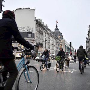 Francia, sciopero generale contro la riforma delle pensioni di Macron