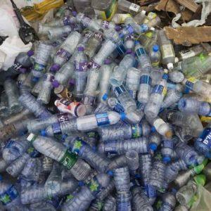 New York. Lattine e bottiglie di plastica, uno stipendio per i più poveri: valgono 5 centesimi se restituite