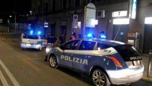 Polizia aggredita a Catania: in 40 si scagliano contro 2 agenti che stavano fermando una moto