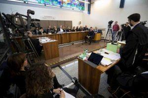Processo Cucchi, due carabinieri imputati per i presunti depistaggi accusano due colleghi (costituendosi parte civile)