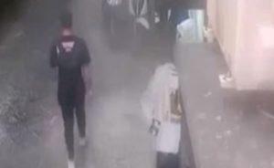 Napoli, rapinò una anziana per 20 euro: incastrato da questo video