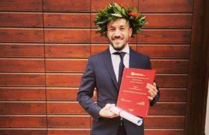 Samuele Neglia, calciatore del Bari, si è laureato in psicologia