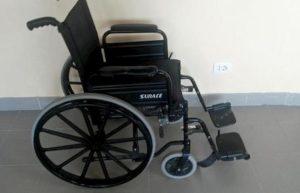 Gela, la sedia a rotelle in ospedale si prende come il carrello al supermercato: basta un euro