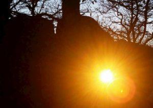 Previsioni meteo Natale, Vigilia e 25 con sole. A Santo Stefano arriva il freddo