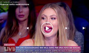 """Live - Non è la D'Urso, Taylor Mega: """"Fare l'influencer è stressante"""""""
