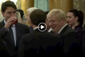 Vertice Nato. Trudeau, Macron, Johnson a microfoni spenti: roba da matti. Quel matto è Trump