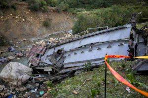 Tunisia, bus turistico precipita nel dirupo: giù per 70 metri, almeno 26 ragazzi tra 20 e 30 anni morti