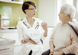 Influenza, sempre meno anziani si vaccinano: solo il 52%, -10% rispetto al 2012