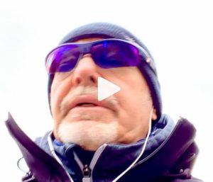 Vasco Rossi in incognito in piazza Maggiore a Bologna: il video