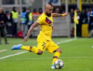 Vidal rompe col Barcellona dopo la panchina nel Clasico. L'Inter ci prova per gennaio