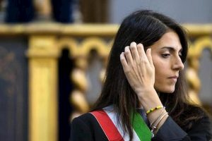 Roma si allaga dopo nubifragio e la Raggi parla di Formula E: cittadini infuriati su Fb