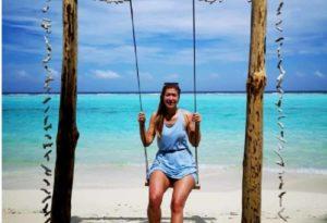 Yana Ehm, foto della deputata M5s alle Maldive. Ma è in ritardo con le restituzioni...