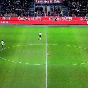 Milan-Torino, niente minuto di silenzio per Kobe Bryant: imbarazzo in campo, fischi dagli spalti