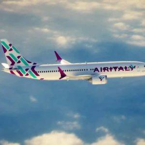 Volo Air Italy Olbia-Roma, fumo a bordo. 20 minuti di panico tra gola irritata e attacchi d'ansia