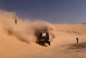 Alonso si ribalta alla Dakar: il video dell'incidente