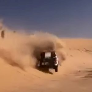 Alonso si ribalta alla Dakar: il video dell'incidente
