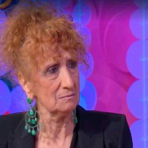 """Anna Mazzamauro a Vieni da Me: """"Paolo Villaggio era cattivello. Una volta mi disse..."""""""