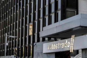 Autostrade per l'Italia, 7,5 mlde 1000 assunzioni per evitare revoca concessione
