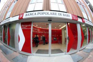 Banca popolare di Bari: arrestati Jacobini padre e figlio. Interdetto l'ex ad De Bustis
