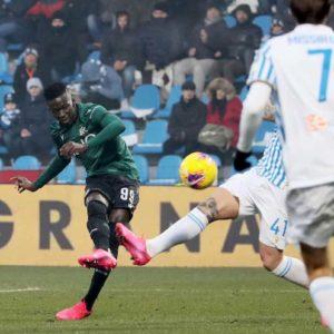 Spal-Bologna 1-3, rossoblu vincono in rimonta: Barrow e Poli ribaltano il vantaggio di Petagna
