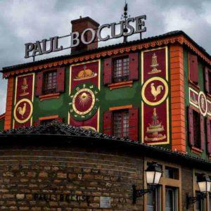 Paul Bocuse perde la terza stella Michelin: il ristorante culto di Lione retrocede a 2