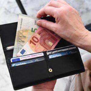 Bonus busta paga, 100 euro al mese per redditi fino a 28mila euro. Ipotesi da luglio