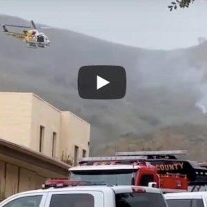 Kobe Bryant è morto, il VIDEO con il fumo e i soccorsi dove è precipitato l'elicottero